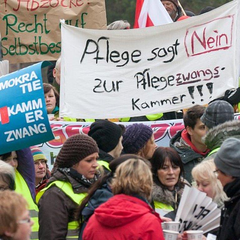 Protest gegen geplante Pflegekammer